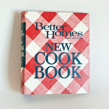 Vintage Better Homes and Gardens New Cookbook, Third Printing 1970, Red Gingham Print Cover, Ring Binder