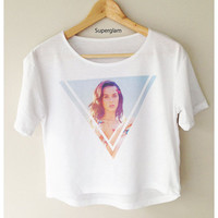 Katy Perry Singer Pop Rock Dance Women Top Wide Crop Fashion T Shirt White Color Grey Color Free Size