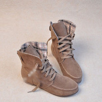 England round fringed flat boots BACED