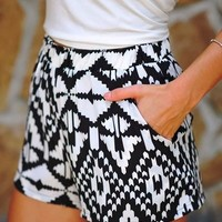 Tips and Tricks for Wearing High Waisted Shorts