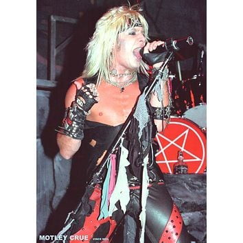 """Poster: Motley Crue Vince Neil On Stage (23""""x33"""")"""