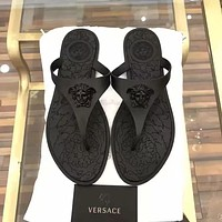 Versace Tide brand men's and women's fashion versatile flat-bottomed flip-flops Full black