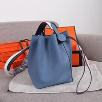 284 Hermes Licol Casual Evercolor Leather Fashion Bucket bag blue