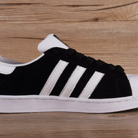 Adidas Mens Superstar Knicks East River Rivalry Black White