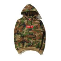Autumn and winter skateboarding tide brand Supreme embroidery simple hooded sweater men and women Camouflage color