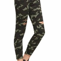 Camo Ripped Skinny Pants