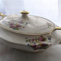 1925 Shabby Chic Vintage China Covered Soup Tureen 22 carat Gold Handles Covered Vegetable Dish Cottage Style Pink Roses Serving Dish