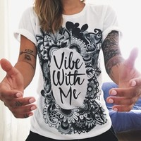 """Vibe with me"" Letter and Paisley Print Short Sleeve T-Shirt"