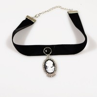 Yazilind Black Lace Victorian Cameo Lolita Length Collar Necklace 12.48in
