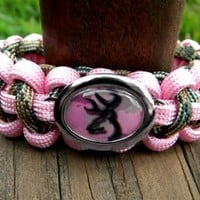 Paracord Bracelet with a Pink Camo Buck Image Charm