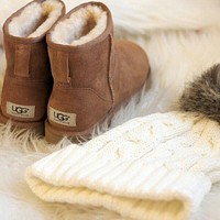 UGG fashion hot sale low cut ladies and men boots shoes