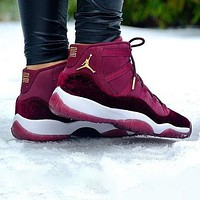 Air Jordan 11 Velvet Fashion Men Casual Sneakers Sport Basketball Shoes Burgundy