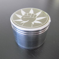 Green Weed smoking grinder free shipping and pipe screens