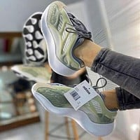 ADIDAS YEEZY 700v3 Woman Men Sneakers Sport Shoes