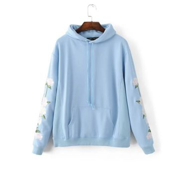 Autumn new women 's fashion wild flowers embroidered hooded loose head sweater coat women Light blue
