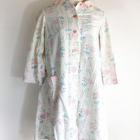 Vintage Womens Flannel Robe Pink Blue White Robe 1950s Robe Lamb Robe Flower Robe Kitschy Lamb Robe