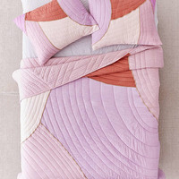 Clara Quilt   Urban Outfitters