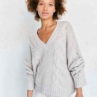 Kimchi Blue Cable V-Neck Pullover Sweater - Urban Outfitters
