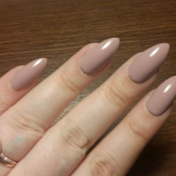 Soft Nude Nails