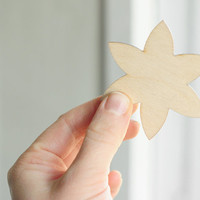 SET of 2pcs - two wooden flower shapes  - natural wood - ready to decorate - unpainted - make your own jewelry DIY