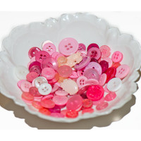 Pink white button mix plastic vintage retro various shapes sizes lot of 114 destash sewing haberdashery jewelry scrapbooking craft supplies
