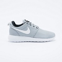 Nike Roshe Run Trainers in Grey and White - Urban Outfitters
