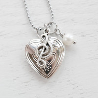 Silver Heart Locket Musical Charm Necklace,Silver Locket,Music Note Heart Locket Pendant,Keepsake Necklace,For Musician Friend,G Clef Locket