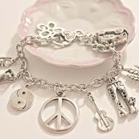 Hippy Chic charm bracelet - Sixties - 1960 style - Peace Sign