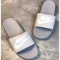 Nike:Fashion casual slippers
