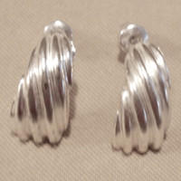 Vintage 80's Medium Silver Swirl Curve Post Earrings w/ Safety Backings, Fashion Jewelry, Teen, Classic, Simple, Elegant, Modest, Cute, Gift