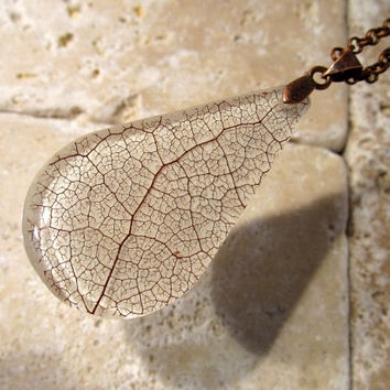 Skeleton Leaf of Salal Necklace, Leaf Jewelry, Plant Jewellery, rustic, woodland, nature
