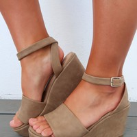 Head To Toe Wedges: Taupe