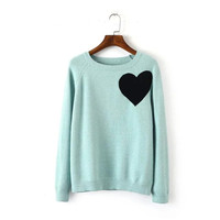 Women's Round Collar Long Sleeves Cute Heart Pattern Sweater