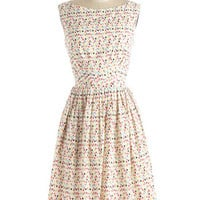 Emily and Fin 50s Mid-length Sleeveless Fit & Flare Daytrip Darling Dress in Confetti