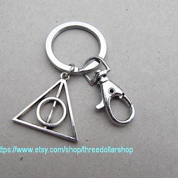 the Deathly Hallows keyring the harry potter keychain with swivel clasp