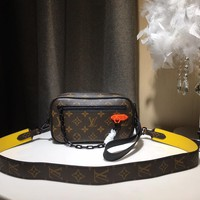 Kuyou Gb59812 Lv Louis Vuitton M44458 Monogram Leather Messenger Bag With Yellow Aiguillette 21x12x5cm