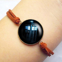 Travelling Tardis Dr. Who all of time and space vintage Bracelet