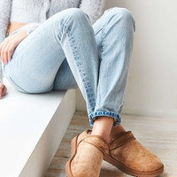 UGG Classic Slipper - Urban Outfitters