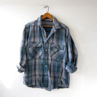 Vintage Plaid Flannel. Washed Out Flannel. Grunge Shirt. Boyfriend button up shirt.