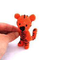 crochet little tiger, miniature tiger, little tiger animal, mini orange tiger, little animal doll, plushie wee tiger, kawaii amigurumi tiger