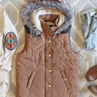 Suncadia Hooded Vest in Camel