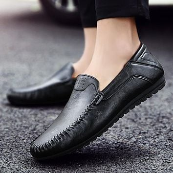 2017 New Spring And Autumn Genuine Leather Shoes Men Casual Moccasins Mens Slip-on Loafers Breathable Driving Black Shoes 39-44