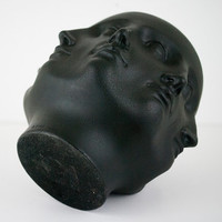 8 Faces Vase Black