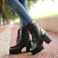 Lace up round head-heeled Martin boots