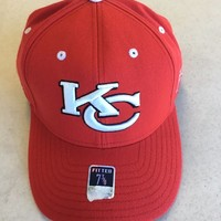 RETRO REEBOK KANSAS CITY CHIEFS RED CURVED BRIM FITTED HAT