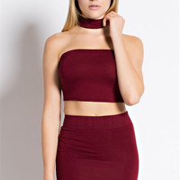 Strapless crop top with choker collar