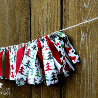 Christmas rag garland, rustic christmas, redgreenwhite, mantle decoration, winter photo prop, swag, shabby chic, christmas trees, scotties