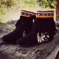 Winnie May May Moccasin Fringe Black Boots