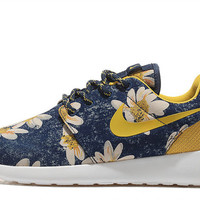 Roshe run sunflower print