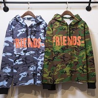 17SS Vlone Friends Behind large V printing hooded hedging sweatshirt behind the European and American street camouflage military guerrillas